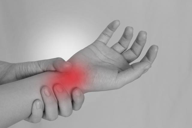 痛風は足の親指だけではない。私は手首にしか痛風は出ません