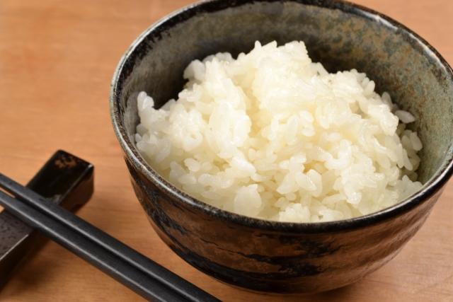 玄米と白米のプリン体量の解説。痛風でも食べて大丈夫?